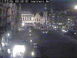 Kamera des Cafe Wörner mit einer Perspektive entlang des Neuen auf das Alte Rathaus.