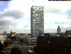 Blick auf das Hochhaus und die Innenstadt von FfO.