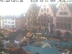 Blick auf den Platz und das Rathaus am Römerberg