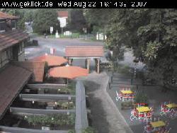 Blick auf den Biergarten des Gasthof Weserstein
