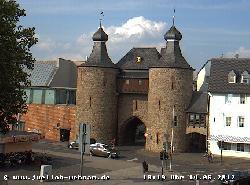 Blick auf den Hexenturm am Beginn der  kleinen Rurstraße