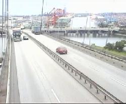 Blick einer Verkehrskamera auf die Brücke